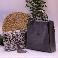 turkish hand and shoulder bag  guess brand