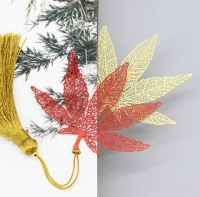 Clover leaves bookmarks