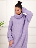 Womenlong top with a high neck