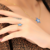 Star shaped necklace for women