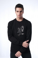 Men's black sweatshirt with long sleeves