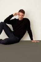 Black sweatshirt for men from De Factor