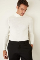 Defacto sweater with a round collar