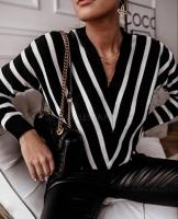 Women's black and white sweatshirt - Julie moda