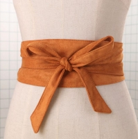 Waist belt for women decorated with a bow