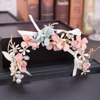 Gorgeous floral hair accessory
