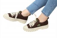 Women's sports shoes