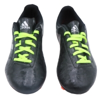 Football shoes with a distinctive design - by ADIDAS