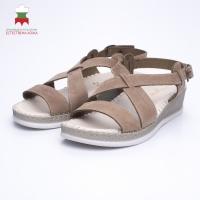 Women's sandal with a distinctive design