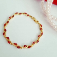 18 gold plated bracelet studded with red agate