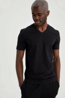 Men's T-shirt with a slim fit, V-neck and short sleeves