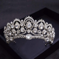 The crown of the great luxury wedding - studded with crystals