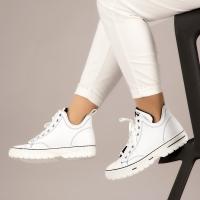 women sport boots white