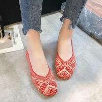 Womenred flat shoes
