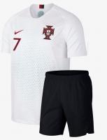 Dries the Portugal team