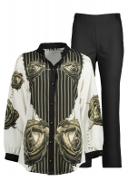 Costum Kabari, a light gray shirt and black pants, is a formal 2 piece of clothing