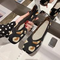Flat women shoes